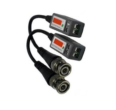 Пассивный HD видеопередатчик FE-202P+HD Falcon eyeМонтажные материалы<br>Описание:<br>Пассивный HD видеопередатчик по витой паре. до 330м. (В упаковке 2шт.) Color video HD-CVI/TVI 1080P до 200м. Color video AHD 720P/960P до 200м.<br>Способов передачи видеосигнала и телеметрии, используемых сегодня в системах видеонаблюдения, не так уж много. В зависимости от поставленной задачи инсталлятор выбирает либо коаксиальный кабель, либо витую пару, либо оптическое волокно. Этот выбор может быть обусловлен несколькими параметрами (особенностями объекта, бюджетом), но определяющим, как правило, является расстояние, на которое предстоит передавать видеосигнал.Применение коаксиального кабеля наиболее эффективно, если расстояние, которое предстоит преодолеть сигналу, небольшое до 100 метров. При средних расстояниях до 2400 метров опытные инсталляторы отдают предпочтения витой паре. Так же при использовании передатчиков и приемников по витой паре, можно сократить стоимость монтажа и расходных материалов. По коаксиальному кабелю можно передавать только один видеосигнал, а при использовании стандартного кабеля UTP 5cat (витая пара) сигнал можно передавать от четырех устройств.<br>Характеристики:<br>Дальность передачи видеосигнала по UTP CAT5: до 600м. ч/б и до 400м цветное<br>Дальность при использовании с активным приемником 1500м<br>Клемная колодка под зажим<br>