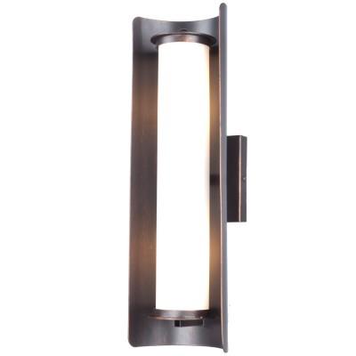 Светильник настенный Favourite 1505-2WКованые<br><br><br>Цветовая t, К: 3000<br>Тип лампы: накаливания / энергосберегающая / светодиодная<br>Тип цоколя: E14<br>Количество ламп: 2<br>Ширина, мм: 115<br>MAX мощность ламп, Вт: 40<br>Выступ, мм: 140<br>Размеры: W140*D115*H460<br>Высота, мм: 460<br>Поверхность арматуры: матовый<br>Цвет арматуры: черный<br>Общая мощность, Вт: 80