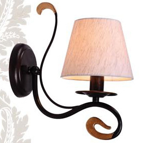 Светильник бра Favourite 1147-1wКлассика<br><br><br>S освещ. до, м2: 4<br>Тип товара: Светильник настенный бра<br>Скидка, %: 46<br>Тип лампы: накаливания / энергосбережения / LED-светодиодная<br>Тип цоколя: E14<br>Количество ламп: 1<br>Ширина, мм: 160<br>MAX мощность ламп, Вт: 40<br>Диаметр, мм мм: 270<br>Размеры: W160*H290*D270<br>Расстояние от стены, мм: 270<br>Высота, мм: 290<br>Цвет арматуры: коричневый