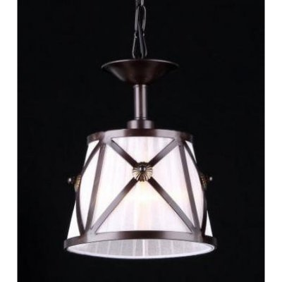 Светильник Maytoni H102-00-R House 2Одиночные<br><br><br>S освещ. до, м2: 2<br>Крепление: крючок<br>Тип товара: Подвесной светильник<br>Тип лампы: накаливания / энергосбережения / LED-светодиодная<br>Тип цоколя: E14<br>Количество ламп: 1<br>MAX мощность ламп, Вт: 40<br>Диаметр, мм мм: 180<br>Длина цепи/провода, мм: 1200<br>Высота, мм: 250<br>Цвет арматуры: коричневый