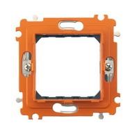 Legrand Bticino Axolute H4702G Суппорт 2 мод с клипсами в комплекте с защитной крышкой и рамкойСуппорты и прочее<br>Технические характеристикиМеханизм: <br>суппорт с защитной крышкой и рамкой.Модульность: 2.<br>Дополнительная информация:<br><br>Суппорт с защитными рамкой и крышкой, 2 модуля, в комплекте клипсами захвата.<br>