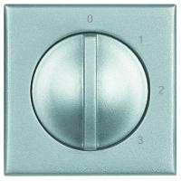 Legrand Bticino Axolute HC4016 Алюминий Переключатель 4-позиционный поворотныйМеханизмы алюминий<br>Технические характеристики<br>Механизм: переключатель 4-позиционный поворотный.<br>Цвет: алюминий.Посты: 1.Модульность: 1.Номинальное напряжение: 250 В.<br>Дополнительная информация:<br><br>Переключатель 4-позиционный поворотный для управления кондиционерами, <br>вентиляторами и т.п.<br><br>Оттенок (цвет): серебристый