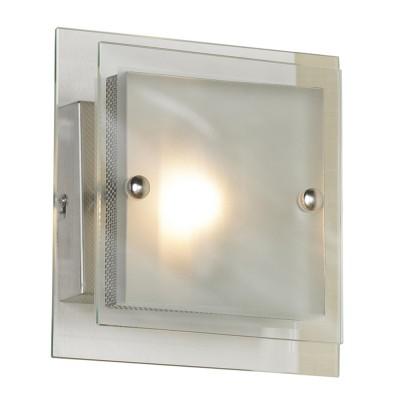 Светильник Lussole LSA-2601-01 Treviso никельКвадратные<br>Настенно-потолочный светильник Lussole LSA-2601-01 является прекрасным дополнением для насыщения любого интерьера площадью до 4 квадратных метров сиянием. Возможность крепления изделия на вертикальную или горизонтальную поверхность расширяет возможности декорирования пространства. Перед Вами ультрасовременный стиль хай-тек с чёткой геометрией и многогранностью. Настенно-потолочный светильник Lussole LSA-2601-01 может выступать, как самостоятельное изделие, так и быть в тандеме с другими. Вы приобретаете творение в огранке из прозрачного/матового стекла и мерцающего металла, исполненных в форме строгого квадрата. Это свежесть, минимализм и непритязательность сияния!<br><br>S освещ. до, м2: 4<br>Тип лампы: галогенная / LED-светодиодная<br>Тип цоколя: G9<br>Количество ламп: 1<br>Ширина, мм: 200<br>MAX мощность ламп, Вт: 40<br>Длина, мм: 200<br>Расстояние от стены, мм: 90<br>Оттенок (цвет): белый<br>Цвет арматуры: серый