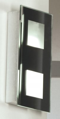 Светильник Lussole LSA-2901-02 BrezzaПрямоугольные<br>Настенно-потолочные светильники – это универсальные осветительные варианты, которые подходят для вертикального и горизонтального монтажа. В интернет-магазине «Светодом» Вы можете приобрести подобные модели по выгодной стоимости. В нашем каталоге представлены как бюджетные варианты, так и эксклюзивные изделия от производителей, которые уже давно заслужили доверие дизайнеров и простых покупателей. <br>Настенно-потолочный светильник Lussole LSA-2901-02 станет прекрасным дополнением к основному освещению. Благодаря качественному исполнению и применению современных технологий при производстве эта модель будет радовать Вас своим привлекательным внешним видом долгое время. <br>Приобрести настенно-потолочный светильник Lussole LSA-2901-02 можно, находясь в любой точке России.<br><br>S освещ. до, м2: 2<br>Тип лампы: люминесцентная<br>Тип цоколя: G23<br>Количество ламп: 2<br>Ширина, мм: 110<br>MAX мощность ламп, Вт: 7<br>Расстояние от стены, мм: 50<br>Высота, мм: 240<br>Оттенок (цвет): зеркало+матовый белый<br>Цвет арматуры: серебристый