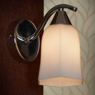 Светильник Lussole lsc-8801-01Модерн<br>В интернет-магазине «Светодом» представлен широкий выбор настенных бра по привлекательной цене. Это качественные товары от популярных мировых производителей. Благодаря большому ассортименту Вы обязательно подберете под свой интерьер наиболее подходящий вариант.  Оригинальное настенное бра Lussole LSC-8801-01 можно использовать для освещения не только гостиной, но и прихожей или спальни. Модель выполнена из современных материалов, поэтому прослужит на протяжении долгого времени. Обратите внимание на технические характеристики, чтобы сделать правильный выбор.  Чтобы купить настенное бра Lussole LSC-8801-01 в нашем интернет-магазине, воспользуйтесь «Корзиной» или позвоните менеджерам компании «Светодом» по указанным на сайте номерам. Мы доставляем заказы по Москве, Екатеринбургу и другим российским городам.<br><br>S освещ. до, м2: 3<br>Крепление: накладной<br>Тип лампы: накаливания / энергосбережения / LED-светодиодная<br>Тип цоколя: E14<br>Количество ламп: 1<br>Ширина, мм: 110<br>MAX мощность ламп, Вт: 40<br>Расстояние от стены, мм: 170<br>Высота, мм: 170<br>Цвет арматуры: серебристый
