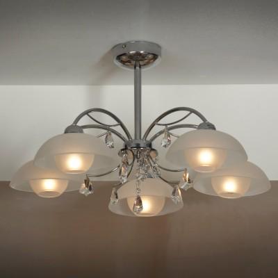 Люстра Lussole lsf-1513-05Потолочные<br>Эффектная подвесная люстра Lussole lsf-1513-05 всегда будет привлекать к себе восхищенное внимание Ваших гостей и по праву займет центральное место в интерьере! Пять прозрачных плафонов создают яркое освещение на площади до 14 кв.м., а наличие подвеса позволяет светильнику идеально подойти к комнате с высоким потолком. Хрустальные подвески прекрасно дополняют конструкцию, придавая ей «мягкость» и изысканный облик. Эту люстру можно использовать в любой цветовой гамме комнаты - она будет великолепно гармонировать и с яркими и с пастельными тонами.<br><br>Установка на натяжной потолок: Да<br>S освещ. до, м2: 14<br>Крепление: Планка<br>Тип лампы: накаливания / энергосбережения / LED-светодиодная<br>Тип цоколя: E14<br>Количество ламп: 5<br>MAX мощность ламп, Вт: 40<br>Диаметр, мм мм: 700<br>Высота, мм: 370<br>Цвет арматуры: серебристый