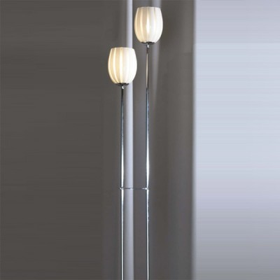 Торшер Lussole LSF-6705-02 BrindnsiДекоративные<br>Торшер Lussole LSF-6705-02 прекрасен в своей лаконичной манерности! Мало того, что удобство его определено возможностью переноса изделия в необходимые зоны сияния, так к тому же светильник выполнен в деликатном стиле модерн: лёгком, искусном и модном. Утончённый силуэт хромированной конструкции торшера Lussole LSF-6705-02 позволит украсить любое пространство, насыщая его благородством формы и содержания.   Аккуратный белоснежный плафон изящной геометрии смягчит помещение, а нанесённый своеобразный узор станет частью восхитительного декора Вашего безупречного интерьера. Шарм и лаконичное изящество присущи торшеру Lussole LSF-6705-02: модному, стильному и яркому в своём свечении!<br><br>S освещ. до, м2: 6<br>Тип товара: Тошер напольный<br>Тип лампы: накаливания / энергосбережения / LED-светодиодная<br>Тип цоколя: E14<br>Количество ламп: 2<br>Ширина, мм: 130<br>MAX мощность ламп, Вт: 40<br>Длина, мм: 260<br>Высота, мм: 1420<br>Оттенок (цвет): белый<br>Цвет арматуры: серебристый