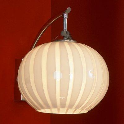 Светильник Lussole Lsf-7201-01Современные<br>В интернет-магазине «Светодом» представлен широкий выбор настенных бра по привлекательной цене. Это качественные товары от популярных мировых производителей. Благодаря большому ассортименту Вы обязательно подберете под свой интерьер наиболее подходящий вариант.  Оригинальное настенное бра Lussole LSF-7201-01 можно использовать для освещения не только гостиной, но и прихожей или спальни. Модель выполнена из современных материалов, поэтому прослужит на протяжении долгого времени. Обратите внимание на технические характеристики, чтобы сделать правильный выбор.  Чтобы купить настенное бра Lussole LSF-7201-01 в нашем интернет-магазине, воспользуйтесь «Корзиной» или позвоните менеджерам компании «Светодом» по указанным на сайте номерам. Мы доставляем заказы по Москве, Екатеринбургу и другим российским городам.<br><br>S освещ. до, м2: 4<br>Тип лампы: накаливания / энергосбережения / LED-светодиодная<br>Тип цоколя: E27<br>Количество ламп: 1<br>Ширина, мм: 200<br>MAX мощность ламп, Вт: 60<br>Расстояние от стены, мм: 270<br>Высота, мм: 240<br>Цвет арматуры: серебристый