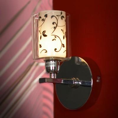 Светильник Lussole lsj-0301-01Современные<br>Настенный светильник Lussole lsj-0301-01 станет идеальным дополнением к световому оформлению интерьера в стиле «модерн»! Внутри прозрачного стеклянного плафона расположен матовый белый плафон с нанесенным на него «растительным» черным рисунком, что создает объемный, и в то же время «легкий» образ, который прекрасно впишется даже в небольшую по размерам комнату. Светильник отлично подойдет в качестве подсветки по направлению «снизу вверх», особенно выигрышно это смотрится при световом акценте картин, стеклянных полок, растений и т.п. Рекомендуем Вам использовать бра в комплекте из нескольких экземпляров и люстрой из этой же серии, тогда интерьер будет выглядеть «законченным» и совершенным, как будто над ним поработал профессиональный дизайнер.<br><br>S освещ. до, м2: 3<br>Тип лампы: галогенная / LED-светодиодная<br>Тип цоколя: G9<br>Количество ламп: 1<br>Ширина, мм: 110<br>MAX мощность ламп, Вт: 40<br>Длина, мм: 120<br>Высота, мм: 200<br>Цвет арматуры: серебристый