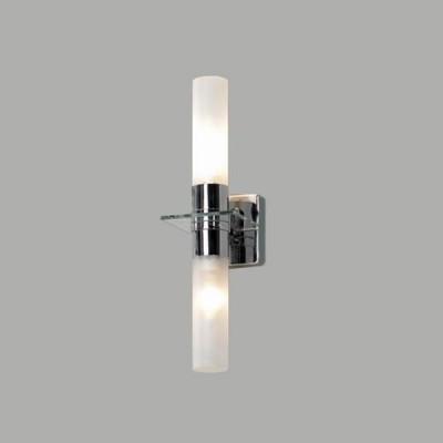 Светильник Lussole LSL-5901-02 Liguria хромХай-тек<br>Светильники для ванных комнат отличаются повышенными требованиями электробезопасности<br><br>S освещ. до, м2: 6<br>Тип лампы: накаливания / энергосбережения / LED-светодиодная<br>Тип цоколя: E14<br>Количество ламп: 2<br>Ширина, мм: 100<br>MAX мощность ламп, Вт: 40<br>Расстояние от стены, мм: 130<br>Высота, мм: 370<br>Оттенок (цвет): белый<br>Цвет арматуры: серебристый