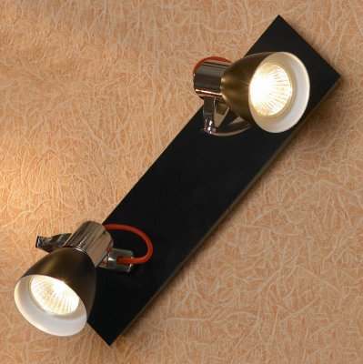 Светильник Lussole LSL-7401-02Двойные<br>Светильники-споты – это оригинальные изделия с современным дизайном. Они позволяют не ограничивать свою фантазию при выборе освещения для интерьера. Такие модели обеспечивают достаточно качественный свет. Благодаря компактным размерам Вы можете использовать несколько спотов для одного помещения.  Интернет-магазин «Светодом» предлагает необычный светильник-спот Lussole LSL-7401-02 по привлекательной цене. Эта модель станет отличным дополнением к люстре, выполненной в том же стиле. Перед оформлением заказа изучите характеристики изделия.  Купить светильник-спот Lussole LSL-7401-02 в нашем онлайн-магазине Вы можете либо с помощью формы на сайте, либо по указанным выше телефонам. Обратите внимание, что у нас склады не только в Москве и Екатеринбурге, но и других городах России.<br><br>S освещ. до, м2: 6<br>Тип лампы: галогенная / LED-светодиодная<br>Тип цоколя: GU10<br>Количество ламп: 2<br>Ширина, мм: 300<br>MAX мощность ламп, Вт: 50<br>Длина, мм: 100<br>Расстояние от стены, мм: 170