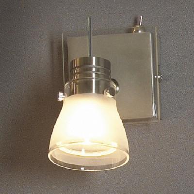 Светильник Lussole LSL-7601-01 Asseggiano никельОдиночные<br>Светильники-споты – это оригинальные изделия с современным дизайном. Они позволяют не ограничивать свою фантазию при выборе освещения для интерьера. Такие модели обеспечивают достаточно качественный свет. Благодаря компактным размерам Вы можете использовать несколько спотов для одного помещения. <br>Интернет-магазин «Светодом» предлагает необычный светильник-спот Lussole LSL-7601-01 по привлекательной цене. Эта модель станет отличным дополнением к люстре, выполненной в том же стиле. Перед оформлением заказа изучите характеристики изделия. <br>Купить светильник-спот Lussole LSL-7601-01 в нашем онлайн-магазине Вы можете либо с помощью формы на сайте, либо по указанным выше телефонам. Обратите внимание, что у нас склады не только в Москве и Екатеринбурге, но и других городах России.<br><br>S освещ. до, м2: 3<br>Тип лампы: галогенная / LED-светодиодная<br>Тип цоколя: GU10<br>Количество ламп: 1<br>Ширина, мм: 100<br>MAX мощность ламп, Вт: 50<br>Длина, мм: 100<br>Расстояние от стены, мм: 140<br>Оттенок (цвет): белый<br>Цвет арматуры: серый