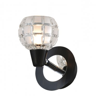 Светильник Lussole lsl-8601-01Одиночные<br>Светильники-споты – это оригинальные изделия с современным дизайном. Они позволяют не ограничивать свою фантазию при выборе освещения для интерьера. Такие модели обеспечивают достаточно качественный свет. Благодаря компактным размерам Вы можете использовать несколько спотов для одного помещения.  Интернет-магазин «Светодом» предлагает необычный светильник-спот Lussole LSL-8601-01 по привлекательной цене. Эта модель станет отличным дополнением к люстре, выполненной в том же стиле. Перед оформлением заказа изучите характеристики изделия.  Купить светильник-спот Lussole LSL-8601-01 в нашем онлайн-магазине Вы можете либо с помощью формы на сайте, либо по указанным выше телефонам. Обратите внимание, что у нас склады не только в Москве и Екатеринбурге, но и других городах России.<br><br>S освещ. до, м2: 3<br>Тип лампы: галогенная / LED-светодиодная<br>Тип цоколя: G9<br>Количество ламп: 1<br>Ширина, мм: 170<br>MAX мощность ламп, Вт: 40<br>Длина, мм: 100<br>Высота, мм: 130<br>Цвет арматуры: серебристый