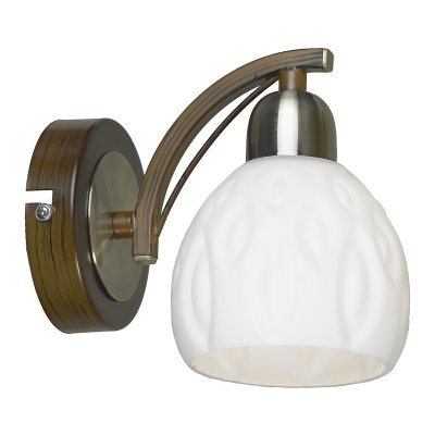 Светильник Lussole Lsl-8801-01Модерн<br>Итальянский настенный светильник Lussole Lsl-8801-01 сочетает в себе лучшие характеристики стиля «модерн»: оригинальную, по-«ювелирному» точно выполненную конструкцию и элегантные цветовые оттенки! Белый матовый плафон в форме распускающегося бутона создает «мягкое», приятное для зрения освещение.  Светильник прекрасно подойдет в качестве подсветки «сверху-вниз», например, зеркала, журнального столика, прикроватной тумбочки и т.п. Рекомендуем Вам использовать бра в комплекте из нескольких экземпляров, чтобы сделать пространство комнаты «цельным», элегантным и уютным, а также потолочной люстрой из этой же серии.<br><br>S освещ. до, м2: 2<br>Тип цоколя: e14<br>Количество ламп: 1<br>MAX мощность ламп, Вт: 40
