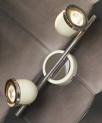 Светильник поворотный спот Lussole LSN-3111-02 TIVOLIдвойные светильники споты<br>Светильники-споты – это оригинальные изделия с современным дизайном. Они позволяют не ограничивать свою фантазию при выборе освещения для интерьера. Такие модели обеспечивают достаточно качественный свет. Благодаря компактным размерам Вы можете использовать несколько спотов для одного помещения.  Интернет-магазин «Светодом» предлагает необычный светильник-спот Lussole LSN-3111-02 по привлекательной цене. Эта модель станет отличным дополнением к люстре, выполненной в том же стиле. Перед оформлением заказа изучите характеристики изделия.  Купить светильник-спот Lussole LSN-3111-02 в нашем онлайн-магазине Вы можете либо с помощью формы на сайте, либо по указанным выше телефонам. Обратите внимание, что у нас склады не только в Москве и Екатеринбурге, но и других городах России.<br><br>S освещ. до, м2: 6<br>Тип лампы: галогенная / LED-светодиодная<br>Тип цоколя: Gu10<br>Цвет арматуры: серебристый<br>Количество ламп: 2<br>Ширина, мм: 110<br>Длина, мм: 370<br>Расстояние от стены, мм: 190<br>MAX мощность ламп, Вт: 50