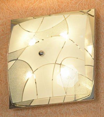 Светильник Lussole LSQ-2502-04Квадратные<br>Элегантный настенно-потолочный светильник Lussole LSQ-2502-04 классической квадратной формы станет прекрасным дополнением к световому оформлению любого современного интерьера! Его можно использовать в единичном экземпляре, а можно, скомбинировав несколько светильников, создать уникальную «композицию», которая сделает комнату неповторимой и «авторской». Универсальная конструкция и светлые оттенки легко впишутся в любую цветовую гамму и в различные по функциональному назначению помещения – от прихожей до спальни. Благодаря «цельному» плафону, светильник легко очистить от загрязнений – достаточно протереть поверхность влажной салфеткой, поэтому его можно смело использовать даже на кухне.<br><br>S освещ. до, м2: 10<br>Тип лампы: галогенная / LED-светодиодная<br>Тип цоколя: G9<br>Количество ламп: 4<br>Ширина, мм: 250<br>MAX мощность ламп, Вт: 40<br>Расстояние от стены, мм: 120<br>Высота, мм: 250