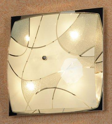 Светильник Lussole LSQ-2502-06Квадратные<br>Элегантный настенно-потолочный светильник Lussole LSQ-2502-06 классической квадратной формы станет прекрасным дополнением к световому оформлению любого современного интерьера! Его можно использовать в единичном экземпляре, а можно, скомбинировав несколько светильников, создать уникальную «композицию», которая сделает комнату неповторимой и «авторской». Универсальная конструкция и светлые оттенки легко впишутся в любую цветовую гамму и в различные по функциональному назначению помещения – от прихожей до спальни. Благодаря «цельному» плафону, светильник легко очистить от загрязнений – достаточно протереть поверхность влажной салфеткой, поэтому его можно смело использовать даже на кухне.<br><br>S освещ. до, м2: 16<br>Тип лампы: галогенная / LED-светодиодная<br>Тип цоколя: G9<br>Количество ламп: 6<br>Ширина, мм: 340<br>MAX мощность ламп, Вт: 40<br>Расстояние от стены, мм: 110<br>Высота, мм: 340