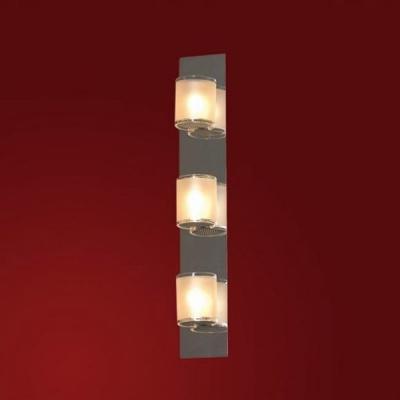 Светильник Lussole LSQ-3401-03 Cappello хромДлинные<br>Настенно-потолочные светильники подходят как для установки на стены, так и для установки на потолок. Для установки настенно-потолочные светильники на натяжные потолки необходимо<br><br>S освещ. до, м2: 8<br>Тип лампы: галогенная / LED-светодиодная<br>Тип цоколя: G9<br>Количество ламп: 3<br>Ширина, мм: 220<br>MAX мощность ламп, Вт: 40<br>Длина, мм: 220<br>Расстояние от стены, мм: 90<br>Оттенок (цвет): белый<br>Цвет арматуры: серебристый