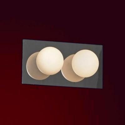 Светильник Lussole LSQ-8901-02 Malta хромСовременные<br>Светильники для ванных комнат отличаются повышенными требованиями электробезопасности<br><br>S освещ. до, м2: 6<br>Тип лампы: галогенная / LED-светодиодная<br>Тип цоколя: G9<br>Количество ламп: 2<br>Ширина, мм: 130<br>MAX мощность ламп, Вт: 40<br>Расстояние от стены, мм: 120<br>Высота, мм: 250<br>Оттенок (цвет): белый<br>Цвет арматуры: серебристый