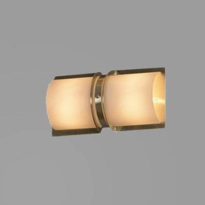 Светильник Lussole LSQ-9992-02 Bissuola золотоМодерн<br>Настенно-потолочные светильники подходят как для установки на стены, так и для установки на потолок. Для установки настенно-потолочные светильники на натяжные потолки необходимо<br><br>S освещ. до, м2: 6<br>Тип лампы: галогенная / LED-светодиодная<br>Тип цоколя: G9<br>Количество ламп: 2<br>Ширина, мм: 130<br>MAX мощность ламп, Вт: 40<br>Расстояние от стены, мм: 100<br>Высота, мм: 230<br>Оттенок (цвет): белый<br>Цвет арматуры: золотой