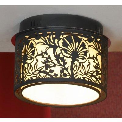 Потолочный светильник Lussole LSF-2377-04 VETEREПотолочные<br>Компания «Светодом» предлагает широкий ассортимент люстр от известных производителей. Представленные в нашем каталоге товары выполнены из современных материалов и обладают отличным качеством. Благодаря широкому ассортименту Вы сможете найти у нас люстру под любой интерьер. Мы предлагаем как классические варианты, так и современные модели, отличающиеся лаконичностью и простотой форм.  Стильная люстра Lussole LSF-2377-04 станет украшением любого дома. Эта модель от известного производителя не оставит равнодушным ценителей красивых и оригинальных предметов интерьера. Люстра Lussole LSF-2377-04 обеспечит равномерное распределение света по всей комнате. При выборе обратите внимание на характеристики, позволяющие приобрести наиболее подходящую модель. Купить понравившуюся люстру по доступной цене Вы можете в интернет-магазине «Светодом».<br><br>Установка на натяжной потолок: Ограничено<br>S освещ. до, м2: 8<br>Крепление: Планка<br>Тип лампы: накаливания / энергосбережения / LED-светодиодная<br>Тип цоколя: E14<br>Цвет арматуры: черный<br>Количество ламп: 4<br>Ширина, мм: 260<br>Длина, мм: 190<br>Оттенок (цвет): черный<br>MAX мощность ламп, Вт: 40