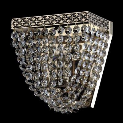 Светильник Maytoni M583-WB1-N QuadratoХрустальные<br>Великолепный дизайн данного хрустального бра немецкой фирмы Майтони можно посмотреть на фото, взглянув на которое, сразу читается классический стиль светильника. Арматура изделия окрашена в цвет никеля, что добавляет ему немного сдержанности. Интересен не только внешний облик бра, но и стоимость, по которой его можно купить. Бра Maytoni M583-WB1-N крепится к стене на пластине и имеет следующие размеры: 210 миллиметров в высоту и 180 миллиметров в ширину. В светильник компании Maytoni устанавливают одну лампу мощностью 60 Ватт с цоколем Е27. Для такого стильного бра указанная цена вполне приемлема.<br><br>S освещ. до, м2: 4<br>Тип лампы: накаливания / энергосбережения / LED-светодиодная<br>Тип цоколя: E27<br>Количество ламп: 1<br>Ширина, мм: 180<br>MAX мощность ламп, Вт: 60<br>Высота, мм: 210<br>Цвет арматуры: серый