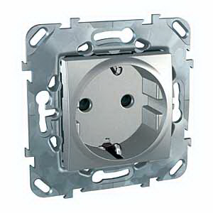 Unica Top Алюминий Розетка 1-ая с/з с защитными шторками винт. зажим MGU5.037.30ZDUnica TOP Алюминий<br>Технические характеристикиМеханизм: розетка с заземлением, с защитными шторками.Цвет: алюминий.Степень защиты: IP20.Номинальное напряжение: 230 В.Сила тока: 16 А.Сечение провода: 2,5-4,0 кв. мм.Дополнительная информация:Розетка одинарная с заземлением, с защитными шторками. Розетка питания устанавливается в монтажную коробку на винтах либо на распорных лапках. Материал - ударопрочный технополимер, не поддерживающий горение. Наружные части устойчивы к ультрафиолету.Клеммы для монтажа проводов расположены сбоку в один ряд, что упрощает монтаж изделия.<br><br>Оттенок (цвет): серебристый
