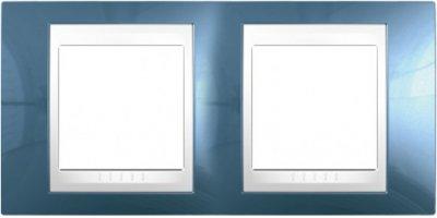 Рамка 2-ая вертикальная Голубой лед/белый MGU6.004V.854Unica Хамелеон<br>Технические характеристикиЦвет: Голубой лед/белый.Посты: 2.Модульность: 4.Размер: 80 х 161 мм.Степень защиты: IP40.Дополнительная информация:Материал - пластик. Вертикальная установка.<br><br>Оттенок (цвет): голубой