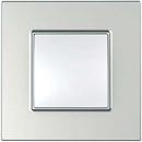 Рамка 1 пост серебро Unica Quadro (Schneider Electric) MGU6.702.55Pамки Quadro<br>Технические характеристикиЦвет: Серебро.Посты: 1.Модульность: 2.Размер: 87 х 87 мм.Степень защиты: IP40.Дополнительная информация:Материал - ASA + PC.<br><br>Оттенок (цвет): серебристый