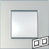 Рамка 2 поста серебро Unica Quadro (Schneider Electric) MGU6.704.55Pамки Quadro<br>Технические характеристикиЦвет: Серебро.Посты: 2.Модульность: 4.Размер: 158 х 87 мм.Степень защиты: IP40.Дополнительная информация:Материал - ASA + PC.<br><br>Оттенок (цвет): серебристый