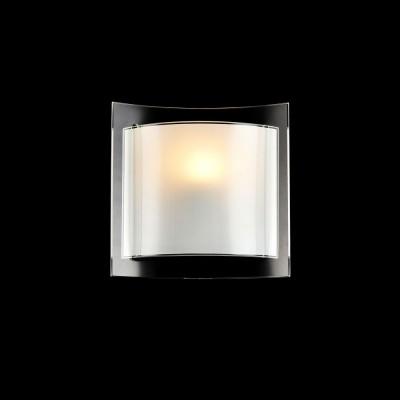 Бра Maytoni C607-WL-01-W HicksКвадратные<br><br><br>S освещ. до, м2: 3<br>Тип лампы: Накаливания / энергосбережения / светодиодная<br>Тип цоколя: E27<br>Цвет арматуры: Белый<br>Количество ламп: 1<br>Ширина, мм: 210<br>Высота, мм: 280<br>MAX мощность ламп, Вт: 60