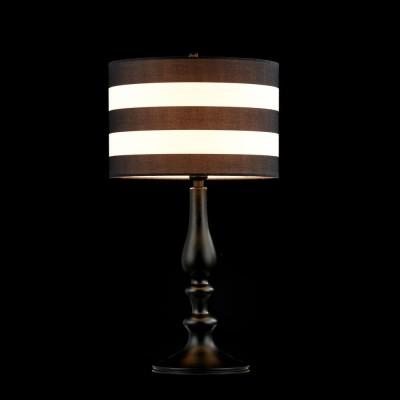Настольная лампа Maytoni MOD963-TL-01-BКлассические<br><br><br>Тип лампы: Накаливания / энергосбережения / светодиодная<br>Тип цоколя: E14<br>Цвет арматуры: черный<br>Количество ламп: 1<br>Диаметр, мм мм: 270<br>Высота, мм: 500<br>MAX мощность ламп, Вт: 40