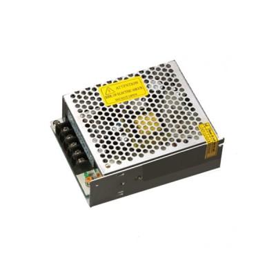 Трансформатор для ленты Navigator 71 465 ND-P60-IP20-12VБлок питания для светодиодной ленты<br>Драйверы Navigator ND-P-IP20 — источники постоянного напряжения 12 В профессиональной серии со степенью защиты от пыли и влаги IP20. Драйверы ND-P-IP20 оснащены терминалом для подключения кабеля питания и нагрузки. Драйверы ND-P-IP20 работают в широком диапазоне входного напряжения 100 — 260 В и при этом обеспечивают коэффициент мощности до 0.95.<br><br> Модели P60 — P350 оснащены регулятором напряжения, что позволяет регулировать данный параметр на выходе. Модели P120—P200 оснащены двумя выходными каналами, модель P350 — тремя. Драйверы Navigator ND-P-IP20 обеспечивают длительную и стабильную работу источников света на основе светодиодов и оснащены защитой от короткого замыкания, от перегрузки, от перегрева и от выхода компонентов из строя. Срок службы драйверов составляет более 30 000 часов.<br><br>Ширина, мм: 96<br>Длина, мм: 129<br>Высота, мм: 40<br>MAX мощность ламп, Вт: 60