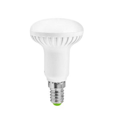 Светодиодная лампа Led Navigator 94 259 NLL-R50-5W-230-2.7K-E14Зеркальные E27, E14<br>Navigator NLL-R – светодиодная энергосберегающая рефлекторная лампа акцентного освещения. Матовая поверхность колбы рефлектора обеспечивает равномерную освещенность и защищает глаза от слепящего света. Лампа NLL-R повторяет форму и размеры стандартных рефлекторных КЛЛ и ламп накаливания R39, R50, R63 и R80 и идеально подходит к любому светильнику, в котором используются данные типы ламп. В светодиодных лампах серии NLL-R применяются высокоэффективные планарные светодиоды, что обеспечивает высокую надежность и эффективность источников света до 85 лм/ Вт. При этом коэффициент цветопередачи обеспечивается на уровне Ragt 80. Ассортимент светодиодных ламп серии NLL-R представлен цветовыми температурами излучаемого света – 2700 K и 4000 К. В качестве корпуса ламп применяется цилиндрический радиатор, состоящий из композитного материала на основе алюминия и пластика, что способствует более эффективному снижению температуры внутри лампы и, как следствие, увеличению ее срока службы. Срок службы светодиодных рефлекторных ламп Navigator NLL-R составляет 30 000 часов.<br><br>Цветовая t, К: WW - теплый белый 2700-3000 К<br>Тип лампы: LED - светодиодная<br>Тип цоколя: E14<br>Цвет арматуры: алюминиевый радиатор<br>Диаметр, мм мм: 50<br>Длина, мм: 85<br>MAX мощность ламп, Вт: 5