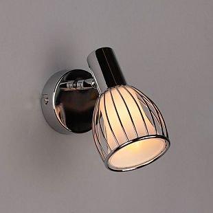 Omnilux Laurent OML-21301-01 Настенный светильник браОдиночные<br>Светильники-споты – это оригинальные изделия с современным дизайном. Они позволяют не ограничивать свою фантазию при выборе освещения для интерьера. Такие модели обеспечивают достаточно качественный свет. Благодаря компактным размерам Вы можете использовать несколько спотов для одного помещения.  Интернет-магазин «Светодом» предлагает необычный светильник-спот Omnilux OML-21301-01 по привлекательной цене. Эта модель станет отличным дополнением к люстре, выполненной в том же стиле. Перед оформлением заказа изучите характеристики изделия.  Купить светильник-спот Omnilux OML-21301-01 в нашем онлайн-магазине Вы можете либо с помощью формы на сайте, либо по указанным выше телефонам. Обратите внимание, что у нас склады не только в Москве и Екатеринбурге, но и других городах России.<br><br>S освещ. до, м2: 2<br>Тип лампы: накал-я - энергосбер-я<br>Тип цоколя: E14<br>Цвет арматуры: серебристый<br>Количество ламп: 1<br>Ширина, мм: 80<br>Размеры: W 80 H 170 Выступ 150<br>Выступ, мм: 150<br>Высота, мм: 170<br>MAX мощность ламп, Вт: 40