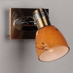 Omnilux Volha OML-22001-01 Светильник поворотный спотОдиночные<br>Светильники-споты – это оригинальные изделия с современным дизайном. Они позволяют не ограничивать свою фантазию при выборе освещения для интерьера. Такие модели обеспечивают достаточно качественный свет. Благодаря компактным размерам Вы можете использовать несколько спотов для одного помещения.  Интернет-магазин «Светодом» предлагает необычный светильник-спот Omnilux OML-22001-01 по привлекательной цене. Эта модель станет отличным дополнением к люстре, выполненной в том же стиле. Перед оформлением заказа изучите характеристики изделия.  Купить светильник-спот Omnilux OML-22001-01 в нашем онлайн-магазине Вы можете либо с помощью формы на сайте, либо по указанным выше телефонам. Обратите внимание, что у нас склады не только в Москве и Екатеринбурге, но и других городах России.<br><br>S освещ. до, м2: 2<br>Тип лампы: накал-я - энергосбер-я<br>Тип цоколя: E14<br>Цвет арматуры: бронзовый<br>Количество ламп: 1<br>Ширина, мм: 90<br>Размеры: H 160 W 90 Выступ 150<br>Выступ, мм: 150<br>Высота, мм: 160<br>Оттенок (цвет): Оранжевый<br>MAX мощность ламп, Вт: 40