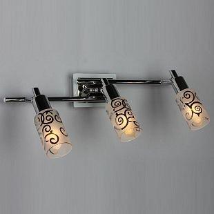 Omnilux Tripoly OML-23201-03 Светильник поворотный спотТройные<br>Светильники-споты – это оригинальные изделия с современным дизайном. Они позволяют не ограничивать свою фантазию при выборе освещения для интерьера. Такие модели обеспечивают достаточно качественный свет. Благодаря компактным размерам Вы можете использовать несколько спотов для одного помещения. <br>Интернет-магазин «Светодом» предлагает необычный светильник-спот Omnilux OML-23201-03 по привлекательной цене. Эта модель станет отличным дополнением к люстре, выполненной в том же стиле. Перед оформлением заказа изучите характеристики изделия. <br>Купить светильник-спот Omnilux OML-23201-03 в нашем онлайн-магазине Вы можете либо с помощью формы на сайте, либо по указанным выше телефонам. Обратите внимание, что у нас склады не только в Москве и Екатеринбурге, но и других городах России.<br><br>S освещ. до, м2: 6<br>Тип лампы: накал-я - энергосбер-я<br>Тип цоколя: E14<br>Цвет арматуры: белый/серебристый хром<br>Количество ламп: 3<br>Ширина, мм: 490<br>Размеры: H 220 W 490<br>Выступ, мм: 210<br>Высота, мм: 220<br>MAX мощность ламп, Вт: 40