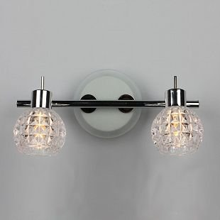 Omnilux Aletu OML-23301-02 Светильник настенный браДвойные<br>Светильники-споты – это оригинальные изделия с современным дизайном. Они позволяют не ограничивать свою фантазию при выборе освещения для интерьера. Такие модели обеспечивают достаточно качественный свет. Благодаря компактным размерам Вы можете использовать несколько спотов для одного помещения. <br>Интернет-магазин «Светодом» предлагает необычный светильник-спот Omnilux OML-23301-02 по привлекательной цене. Эта модель станет отличным дополнением к люстре, выполненной в том же стиле. Перед оформлением заказа изучите характеристики изделия. <br>Купить светильник-спот Omnilux OML-23301-02 в нашем онлайн-магазине Вы можете либо с помощью формы на сайте, либо по указанным выше телефонам. Обратите внимание, что у нас склады не только в Москве и Екатеринбурге, но и других городах России.<br><br>Тип лампы: галогенная/светодиодная<br>Тип цоколя: G9<br>Количество ламп: 2<br>Ширина, мм: 300<br>MAX мощность ламп, Вт: 40<br>Размеры: L 150 W 300 H130<br>Выступ, мм: 150<br>Высота, мм: 130<br>Оттенок (цвет): прозрачный<br>Цвет арматуры: белый
