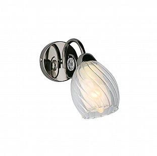 Omnilux OML-31601-01 Светильник настенный браклассические бра<br>В интернет-магазине «Светодом» представлен широкий выбор настенных бра по привлекательной цене. Это качественные товары от популярных мировых производителей. Благодаря большому ассортименту Вы обязательно подберете под свой интерьер наиболее подходящий вариант.  Оригинальное настенное бра Omnilux OML-31601-01 можно использовать для освещения не только гостиной, но и прихожей или спальни. Модель выполнена из современных материалов, поэтому прослужит на протяжении долгого времени. Обратите внимание на технические характеристики, чтобы сделать правильный выбор.  Чтобы купить настенное бра Omnilux OML-31601-01 в нашем интернет-магазине, воспользуйтесь «Корзиной» или позвоните менеджерам компании «Светодом» по указанным на сайте номерам. Мы доставляем заказы по Москве, Екатеринбургу и другим российским городам.<br><br>Тип лампы: накал-я - энергосбер-я<br>Тип цоколя: E14<br>Цвет арматуры: серебристый<br>Количество ламп: 1<br>Ширина, мм: 100<br>Размеры: H100 W200, отступ<br>Выступ, мм: 200<br>Высота, мм: 200<br>Оттенок (цвет): полупрозрачный<br>MAX мощность ламп, Вт: 60