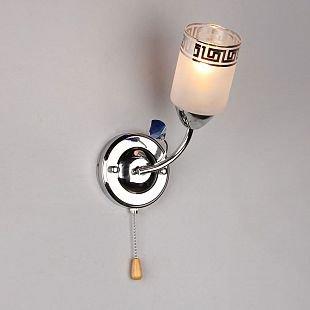 Omnilux Stephanie OML-36801-01 Светильник настенный браСовременные<br>В интернет-магазине «Светодом» представлен широкий выбор настенных бра по привлекательной цене. Это качественные товары от популярных мировых производителей. Благодаря большому ассортименту Вы обязательно подберете под свой интерьер наиболее подходящий вариант.  Оригинальное настенное бра Omnilux OML-36801-01 можно использовать для освещения не только гостиной, но и прихожей или спальни. Модель выполнена из современных материалов, поэтому прослужит на протяжении долгого времени. Обратите внимание на технические характеристики, чтобы сделать правильный выбор.  Чтобы купить настенное бра Omnilux OML-36801-01 в нашем интернет-магазине, воспользуйтесь «Корзиной» или позвоните менеджерам компании «Светодом» по указанным на сайте номерам. Мы доставляем заказы по Москве, Екатеринбургу и другим российским городам.<br><br>Тип лампы: накал-я - энергосбер-я<br>Тип цоколя: E14<br>Цвет арматуры: серебристый<br>Количество ламп: 1<br>Ширина, мм: 110<br>Размеры: W 110 H 250 Выступ 180<br>Выступ, мм: 180<br>Высота, мм: 250<br>MAX мощность ламп, Вт: 60