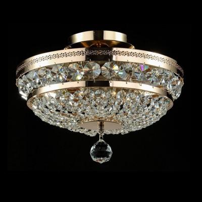 Люстра Maytoni P700-PT35-G Diamant 4Потолочные<br>Данная хрустальная потолочная люстра от Maytoni, как можно увидеть на фото, выполнена из хрустальных подвесок. Арматура хрустальной потолочной люстры Maytoni Diamant Crystal P700-PT35-G изготовлена из металла и имеет аристократичный золотой цвет. Прочная, крепкая и долговечная, да еще и за такую стоимость, эта люстра претворит ваши мечты о шикарном светильнике в реальность. Компания Майтони сделала дизайн этой люстры классическим и утонченным. Такая люстра подойдет к любому интерьеру, но лучше её использовать в сочетании с предметами интерьера в стиле барокко. Наш интернет-магазин дает вам возможность купить эту дивную потолочную люстру по абсолютно невысокой цене. Мы предоставим вам доставку люстры в любую точку России.<br><br>Установка на натяжной потолок: Да<br>S освещ. до, м2: 12<br>Крепление: Планка<br>Тип лампы: накаливания / энергосбережения / LED-светодиодная<br>Тип цоколя: E14<br>Количество ламп: 3<br>MAX мощность ламп, Вт: 60<br>Диаметр, мм мм: 320<br>Высота, мм: 235<br>Цвет арматуры: золотой