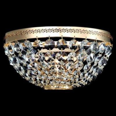 Светильник Maytoni DIA700-WL-02-G Diamant 4Хрустальные<br>Посмотрите на фото бра, выполненного в стиле барокко и имеющего украшения в виде хрустальных подвесок. Хрустальное бра Maytoni Diamant Crystal DIA700-WL-02-G от компании Maytoni, несомненно, станет украшением любой комнаты. Две лампы создают мягкий свет и дарят уют. И всё это великолепие можно купить в нашем магазине по привлекательной цене. К тому же бренд Майтони позаботился о безопасности покупателей: хрустальное бра имеет высокий класс электрозащиты и безопасно в эксплуатации. Не упустите шанс создать уникальный интерьер по приятной стоимости, а наш интернет-магазин поможет вам в этом!<br><br>Установка на натяжной потолок: Ограничено<br>S освещ. до, м2: 8<br>Крепление: Планка<br>Тип лампы: накаливания / энергосбережения / LED-светодиодная<br>Тип цоколя: E14<br>Цвет арматуры: золотой<br>Количество ламп: 2<br>Ширина, мм: 250<br>Высота, мм: 130<br>MAX мощность ламп, Вт: 60