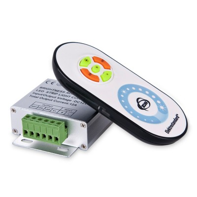 RF DM 12A Электростандарт Сенсорный контроллер с ПДУ для монохромной светодиодной лентыКонтроллеры для светодиодной ленты<br>Технические характеристики контроллера Макс. мощность: при питании 12 В – 144 Вт при питании 24 В – 288 Вт Макс. ток: 12 A Степень защиты: IP40 Размер контроллера: 85 х 45 х 23 мм<br> Технические характеристики ПДУ Передача сигнала: радиоканал Радиус действия ПДУ: 20 м (прямая видимость с контроллером не требуется) Элементы питания ПДУ: 3хААA Размер ПДУ: 115 х 56 х 19 мм<br> Назначение кнопок ПДУ 1.Максимальная яркость свечения. 2.Выключение. 3.Минимальная яркость. 4.Включение. 5.Средняя яркость. 6.Сенсорное кольцо позволяет плавно регулировать яркость свечения ленты.<br> Синхронизация пульта и контроллера После подключения питания к контроллеру в течении первых 3 секунд нажмите и удерживайте верхнюю кнопку «*» на пульте дистанционного управления. Когда светодиоды на ленте мигнут 3 раза, отпустите кнопку. Синхронизация завершена.  Для разрыва связи между пультом и контроллером нажмите и удерживайте кнопку «*» на пульте дистанционного управления в течении 3 секунд после подачи питания к контроллеру. После срабатывания импульсного режима (9-10 миганий светодиодов на ленте) связь пульта с контроллером будет разорвана.<br><br>Ширина, мм: 64<br>Длина, мм: 85<br>Высота, мм: 24<br>MAX мощность ламп, Вт: DC 12B - 144Вт/DC 24B - 288Вт