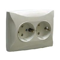 Lexel Дуэт белый Розетка двойная с заземлением с защитными шторками (SE WDE000126)Белый<br><br><br>Тип товара: розетка 220V<br>Оттенок (цвет): белый
