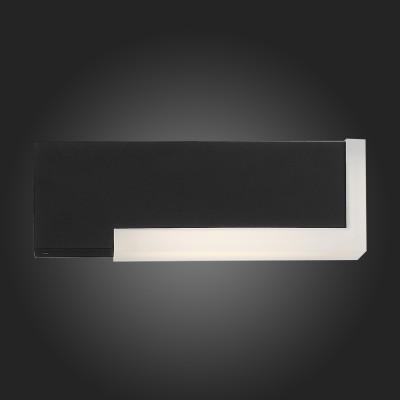 Светильник St Luce SL096.401.02Настенные<br>Модели коллекции Posto создадут комфортное освещение на участке загородного дома, клуба, гостиницы или административного здания, заполнят пространство светом и уютом. Основания светильников изготовлены из металла и окрашены в чёрный цвет. Источник света LED закрыт белым матовым акрилом. Модели коллекции Posto даже осенний вечер сделают уютным и приятным.<br><br>Цветовая t, К: 4000<br>Тип лампы: LED<br>Тип цоколя: LED<br>Цвет арматуры: черный<br>Ширина, мм: 44<br>Расстояние от стены, мм: 238<br>Высота, мм: 77<br>MAX мощность ламп, Вт: 4