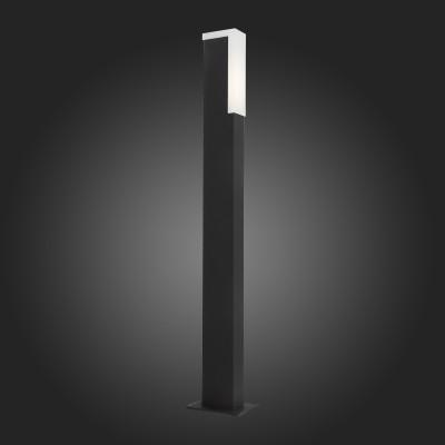 Светильник St Luce SL096.445.02Одиночные столбы<br>Модели коллекции Posto создадут комфортное освещение на участке загородного дома, клуба, гостиницы или административного здания, заполнят пространство светом и уютом. Основания светильников изготовлены из металла и окрашены в чёрный цвет. Источник света LED закрыт белым матовым акрилом. Модели коллекции Posto даже осенний вечер сделают уютным и приятным.<br><br>Цветовая t, К: 4000<br>Тип лампы: LED<br>Тип цоколя: LED<br>Ширина, мм: 47<br>MAX мощность ламп, Вт: 4<br>Длина, мм: 77<br>Высота, мм: 800<br>Цвет арматуры: черный