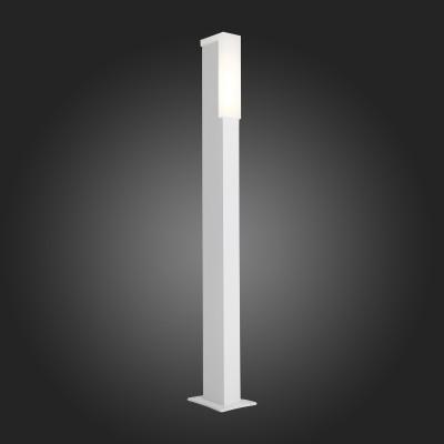 Светильник St Luce SL096.555.02Одиночные столбы<br>Модели коллекции Posto создадут комфортное освещение на участке загородного дома, клуба, гостиницы или административного здания, заполнят пространство светом и уютом. Основания светильников изготовлены из металла и окрашены в чёрный цвет. Источник света LED закрыт белым матовым акрилом. Модели коллекции Posto даже осенний вечер сделают уютным и приятным.<br><br>Цветовая t, К: 4000<br>Тип лампы: LED<br>Тип цоколя: LED<br>Ширина, мм: 47<br>MAX мощность ламп, Вт: 4<br>Длина, мм: 77<br>Высота, мм: 800<br>Цвет арматуры: белый