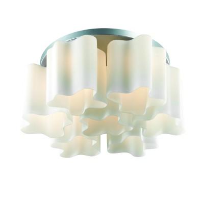 Светильник потолочный St luce SL116.502.07Потолочные<br>Касаемо коллекции модели St luce SL116.502.07 хотелось бы отметить основные моменты: Оригинальные дизайнерские плафоны волнообразной формы в серии Onde никого не оставят равнодушными. Они будут изящно смотреться как в интерьере модерн, так и в стиле хай-тек. Плафоны предлагаются в двух вариантах: белое матовое стекло и белое глянцевое стекло с изящными полосками в структуре стекла. Каждый плафон изготавливается вручную, поэтому форма каждого плафона является уникальной и неповторимой. Эта коллекция приходится по вкусу многим дизайнерам и покупателям из-за компактности, пропорций, практичности и стильных форм.<br><br>Установка на натяжной потолок: Ограничено<br>S освещ. до, м2: 28<br>Крепление: Планка<br>Тип лампы: накаливания / энергосбережения / LED-светодиодная<br>Тип цоколя: E27<br>Количество ламп: 7<br>Ширина, мм: 580<br>MAX мощность ламп, Вт: 60<br>Диаметр, мм мм: 580<br>Длина, мм: 580<br>Высота, мм: 250<br>Поверхность арматуры: матовая<br>Цвет арматуры: серебристый