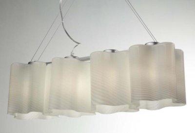 Светильник подвесной St luce SL117.503.04Длинные 4+<br>Касаемо коллекции модели St luce SL117.503.04 хотелось бы отметить основные моменты: Оригинальные дизайнерские плафоны волнообразной формы в серии Onde никого не оставят равнодушными. Они будут изящно смотреться как в интерьере модерн, так и в стиле хай-тек. Плафоны предлагаются в двух вариантах: белое матовое стекло и белое глянцевое стекло с изящными полосками в структуре стекла. Каждый плафон изготавливается вручную, поэтому форма каждого плафона является уникальной и неповторимой. Эта коллекция приходится по вкусу многим дизайнерам и покупателям из-за компактности, пропорций, практичности и стильных форм.<br><br>S освещ. до, м2: 12<br>Крепление: планка<br>Тип лампы: накаливания / энергосбережения / LED-светодиодная<br>Тип цоколя: E27<br>Количество ламп: 4<br>Ширина, мм: 190<br>MAX мощность ламп, Вт: 60<br>Длина, мм: 800<br>Высота, мм: 220<br>Поверхность арматуры: матовая<br>Оттенок (цвет): серебристный<br>Цвет арматуры: белый