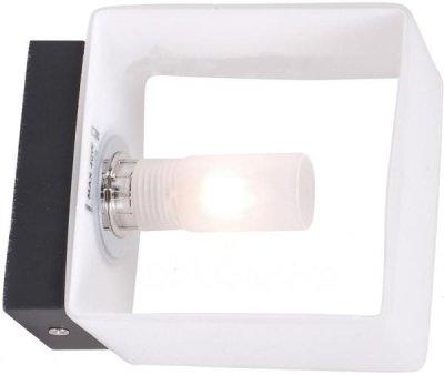 Светильник St luce SL536.501.01Хай-тек<br>Касаемо коллекции модели St luce SL536.501.01 хотелось бы отметить основные моменты: Оригинальные светильники коллекции Concreto украсят современный интерьер в стиле хай-тек, минимализм, лофт, постмодерн. Это отличный вариант для освещения комнаты, кабинета или офисного помещения. Благодаря модным контрастным сочетаниям цветов, светильники станут яркой деталью интерьера. Основание выполнено из металла, плафоны стеклянные.<br><br>S освещ. до, м2: 2<br>Крепление: планка<br>Тип лампы: галогенная / LED-светодиодная<br>Тип цоколя: G9<br>Цвет арматуры: белый<br>Количество ламп: 1<br>Ширина, мм: 102<br>Длина, мм: 70<br>Расстояние от стены, мм: 70<br>Высота, мм: 102<br>Поверхность арматуры: матовая<br>Оттенок (цвет): белый<br>MAX мощность ламп, Вт: 40